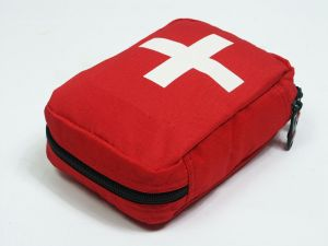 first-aid-kit-878051-m